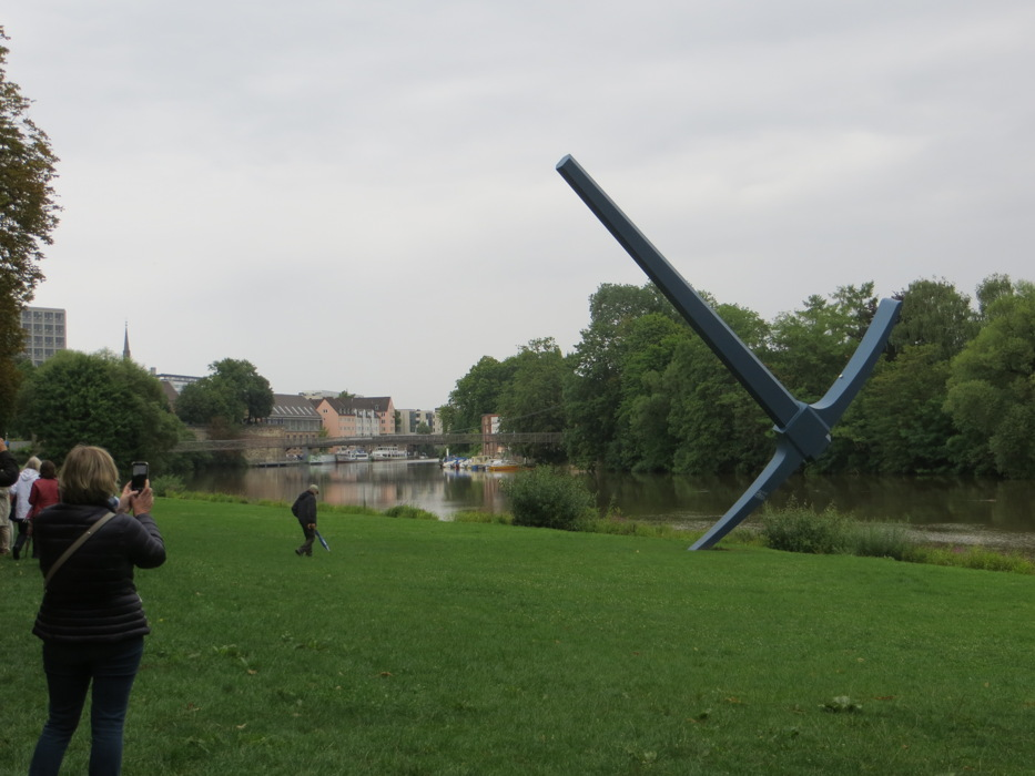 photoblog image Claes Oldenburg, Pickaxe (1982)